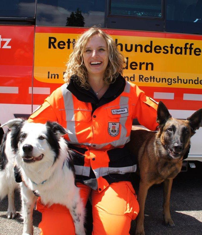 Rettungshundeteam Anja mit Leo und Nugget